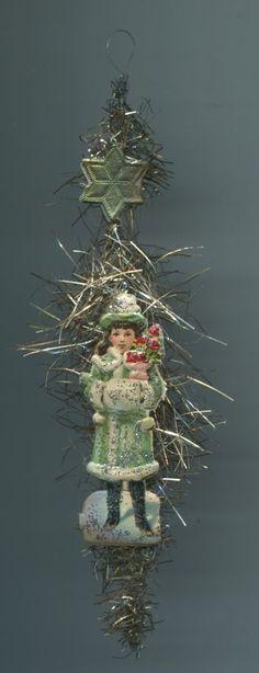 christbaumschmuck antik | Alter Weihnachtsschmuck Christbaumschmuck Oblate Schneemädel mit Muff ...
