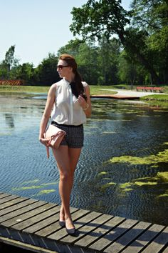 natalie's style: Look of the day: Shorts and blouse with bow