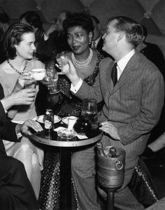 Gloria Vanderbilt, Pearl Bailey, and Truman Capote, 1955