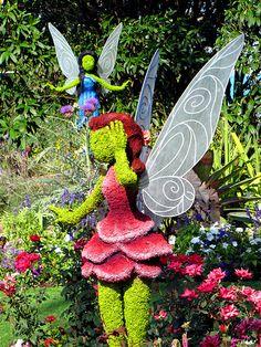 Rosetta and Silvermist 2013 epcot future world Topiary Garden, Moss Garden, Garden Trellis, Garden Art, Beautiful Gardens, Beautiful Flowers, Disney Garden, Weird Trees, Grass Flower