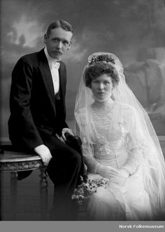 :::::::::: VIntage Photograph ::::::::::::  Beautiful portrait of a couple on their wedding day.  c. 1910