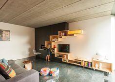 Filip Janssens ontwerpt design meubelen op maat voor eetkamers, salons,  keukens en badkamers. Eigenzinnig maatwerk voor het hele huis.