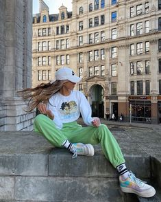 Skater Girl Outfits, Lazy Outfits, Cool Outfits, Stylish Outfits, Look Fashion, Fashion Outfits, Modern Fashion, Estilo Hipster, Joggers Outfit