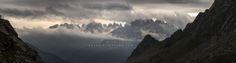Clicca per ingrandire l'immagine. Panoramica delle Dolomiti di Brenta viste dal versante occidentale. Per realizzare questa panoramica ho utilizzato 9 immagini unite fra loro. Le avverse con…