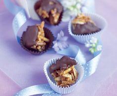 Mandelnougat mit Schokolade Muffin, Breakfast, Organic Matter, Easy, Desserts, Food, Tips, Schokolade, Simple