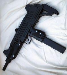 Resultado de imagem para armas personalizadas tumblr