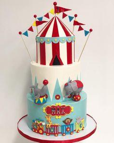 Its been awhile we meet again circus cake! Elephant Birthday Cakes, Boys 1st Birthday Cake, Circus Birthday, Circus Party, Circus Wedding, Circus 1st Birthdays, Carnival Birthday Parties, Dumbo Cake, Dumbo 2