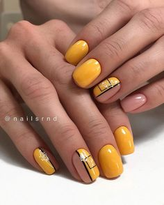 Square nails are very popular and are known as glamorous nail shapes. This form of nails is sure to attract attention and is suitable for women who wear medium-length nails. Manicure Nail Designs, Nail Manicure, Nail Art Designs, Nail Shapes Square, Square Nail Designs, Orange Nail Designs, Yellow Nails Design, Short Square Nails, Short Nails