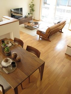 家具なび-ウォールナット無垢材で統一したLD空間