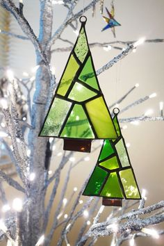 A Pair of Stained Glass Festive Trees Stained Glass Ornaments, Stained Glass Christmas, Glass Christmas Tree Ornaments, Stained Glass Designs, Stained Glass Projects, Stained Glass Patterns, Stained Glass Art, Stained Glass Windows, Mosaic Glass