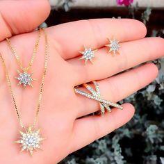 Este maravilhoso conjunto só aqui em www.mercadodejoias.com    @adorofolheados    #semijoias #acessorios #Jewel #amei #brincos #itgirl #moda #tendencias #jewelry #today #amomuito #saopaulo #estilo #glamour #folheados #bruto #bijouterias #bijoux #altabijoux
