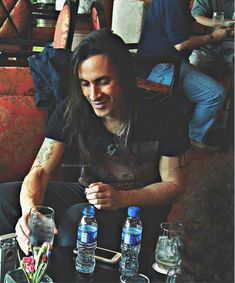 Nuno Bettencourt, 80s Rock Bands, Rock Legends, Rock N Roll, Singer, Guys, Celebrities, Eye Candy, People