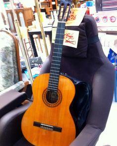 guitare occasion pigalle
