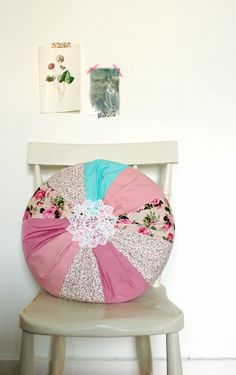 Weekend project: Doily cushion