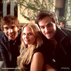 Yup, even Christopher Gorham 'ship Captain Swan :) While filming The New York Serenade, 3x12.