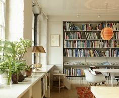 Inside the HQ of Celebrated London Designer Ilse Crawford of Studioilse - a space that is every bit as beautiful and charming as Crawford's other work. Bookshelf Plans, Bookshelves, New Interior Design, Interior And Exterior, Modern Interior, Inspiration Design, Daily Inspiration, Soho House, Design Firms