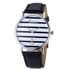 La montre tendance 2016. Superbe montre, unique en son genre. Mouvement à trois aiguilles.    Un jolie montre qui sublimera vos poignets en un clin d'oeil!!!    La montre parfaite pour cet hiver!    Emballage cadeau offert!