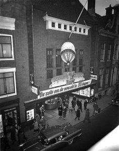 Haarlem: De oude bioscoop Cinema Palace.