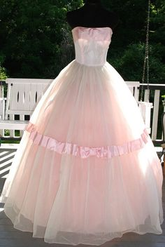 Vintage 1950s 50s Strapless Pink Tulle & White Chiffon over Taffeta Prom Party Evening Gown Dress