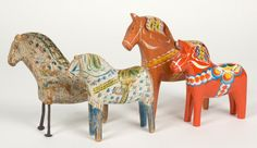 Originally Dala horse was made out of waste wood from funiture making, possibly in teh 17th century. it was a toy and the look would vary a lot depending on who made each horse. People also made horses to sell to make some extra money. Maybe the form of the horse var rather natural since the horse then was a frien, a working companion and symbolized strength.