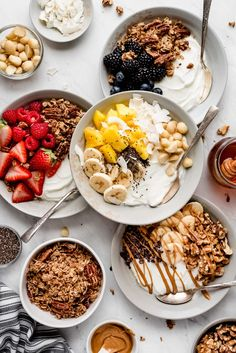 Don't get hangry! Enjoy one of these 4 wholesome Greek Yogurt Bowls made with Total Plain that nourishes your body and keeps you feeling full. Healthy Breakfast Recipes, Healthy Snacks, Healthy Recipes, Thm Recipes, Healthy Skin, Yogurt Recipes, Cereal Recipes, Plat Vegan, Yogurt Bowl