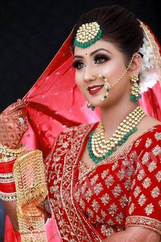 Marriage Poses, Sikh Bride, Royal Brides, Ss, Saree, Studio, Elegant, Beautiful, Fashion