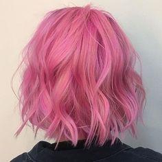 Bob penteados elegantes e cortes para meninas - Haar Ideen - Cabelo Dye My Hair, New Hair, Dyed Hair Pink, Blonde With Pink, Super Hair, Mermaid Hair, Rainbow Hair, Pretty Hairstyles, Messy Hairstyles