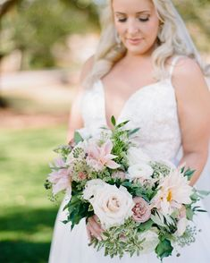 Becky's Brides are wedding planners in Birmingham, Alabama providing wedding planning and day of wedding coordination services. Wedding Coordinator, Wedding Planner, Birmingham Alabama, Wedding Flowers, Wedding Dresses, Bride Bouquets, Wedding Designs, Farms, Floral