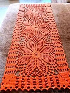 Ideas for crochet patrones tapetes Crochet Table Runner Pattern, Crochet Doily Diagram, Crochet Doily Patterns, Crochet Tablecloth, Crochet Squares, Thread Crochet, Filet Crochet, Crochet Motif, Crochet Designs