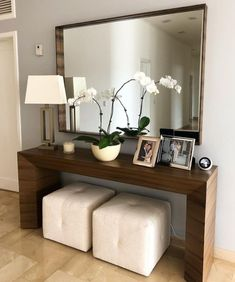 30 Amazing Entryway Wall Decor Ideas to Create Memorable First Impression Ho Entryway and Hallway Decorating Ideas Amazing Create Decor Entryway Ideas Impression Memorable Wall Decoration Hall, Home Entrance Decor, Entryway Wall Decor, Modern Entryway, Hallway Decorating, Modern Decor, Home Decor, Entryway Ideas, Small Entrance