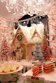 idea for the 90's shadow box..turninto a gingerbread house! Christmas Sweets Love the background