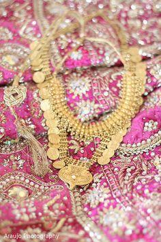 Bridal Jewelry http://maharaniweddings.com/gallery/photo/19727