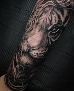 #tigertattoo #sweden #halfsleeve #sleeves #tiger