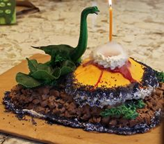 dinosaur_birthday_cake_with_smoking_volcano_gluten_free_casein_free_vegan_8
