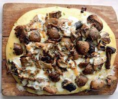 Mushroom & Herb Polenta Recipe from Yotam Ottolenghi's Plenty cookbook Fall Dinner Recipes, Fall Dessert Recipes, Fall Recipes, Holiday Recipes, Dessert Food, Vegetarian Recipes, Cooking Recipes, Vegan Meals, Plenty Cookbook