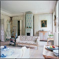 home-decor-interior-vintage-scandinavian-design-house-interior-with-vintage-victorian-style-sofa-and-classic-blue-ladder-sofa-also-castle-combe-sodbury-hardwood-flooring-perfect-scandinavian-design-ho.jpg (1584×1600)