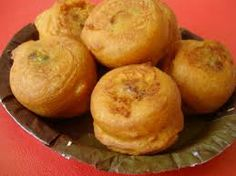 Whether it's for breakfast, teatime, or anytime, one thing is for sure, Mumbaikars can't live without the Batata Vada bite. This well-liked fast food dumpling is made by mashing boiled potatoes with green chilies, ginger, garlic, lime juice, turmeric, and fresh coriander, then dipped in a besan (gram flour) batter and deep fried. It's served either with a green chutney or fried