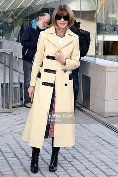 Anna Wintour arrives at the Louis Vuitton show as part of the Paris Fashion Week Womenswear Spring/Summer 2016 on October 7, 2015 in Paris, France.