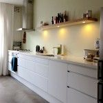 Plank is rommelig Kitchen Rules, Home Living Room, House, Home, New Homes, Kitchen Wall, Home Kitchens, Inside Home, Modern Kitchen Interiors