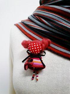 maramanufaktura / brošňa mini MARA halloweenska/červená/