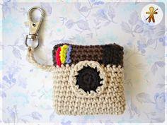- Free crochet camera keychain pattern in English and Spanish. Crochet Gifts, Cute Crochet, Crochet Toys, Knit Crochet, Amigurumi Patterns, Crochet Patterns, Crochet Camera, Crochet Keychain Pattern, Crochet Gloves