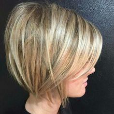 Short hair: Hair styles for blonde hair: short textured bob
