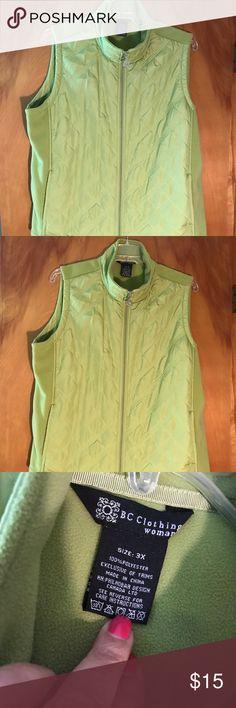 Cute green vest 3x Cute green vest 3x Jackets & Coats Vests