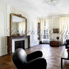The never-ending charms of a Haussmanian interior. By us!