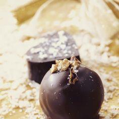 Premium chocolate pralines and truffles Lucifer look just as good as they taste Love Chocolate, Truffles, Artisan, Fruit, Instagram Posts, Handmade, Food, Hand Made, Essen
