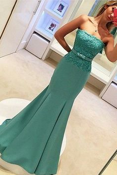2017 Strapless Mermaid Prom Dresses Lace Bowknot Ruched Evening Gowns