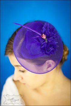 fioletowo szafirowy fascynator,