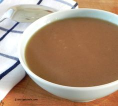 An Expat Cooks: Copycat KFC gravy--A copycat version of KFC gravy. Perfect for expats missing their favorite gravy!
