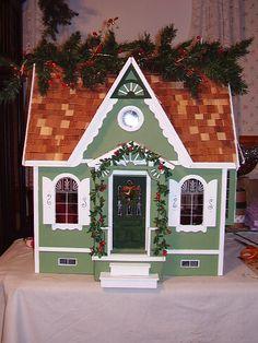 Juli's Dollhouse - Juli's Dollhouse (Dura-Craft Lafayette Dollhouse) - Gallery - The Greenleaf Miniature Community