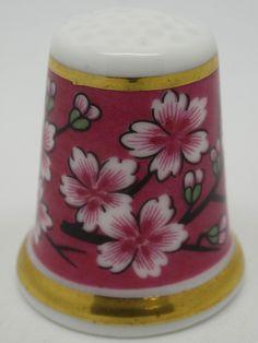 Museum Collection. Wedgwood. Thimble-Dedal-Fingerhut. Thimble, Sewing Tools, Museum Collection, Wedgwood, Scissors, Couture, Antique, Fruit, Tableware